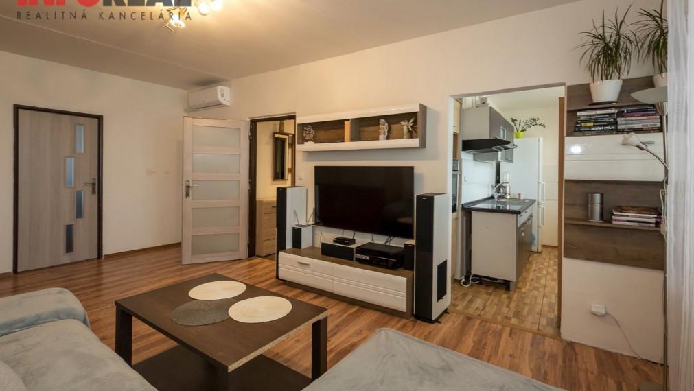REZERVOVANÉ. TOP: 2 izb. byt + loggia, Ostravská, KE - JUH, rekonštruovaný, KLIMATIZÁCIA